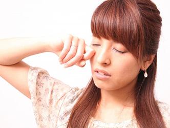 ストレスが増えすぎると不眠から生活が乱れ、更年期ニキビのひきがねに