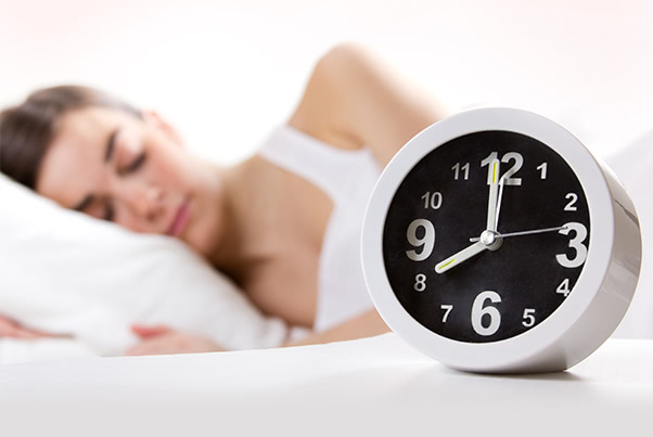 寝不足でニキビができるのは、自律神経の乱れのせい?!